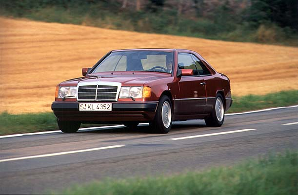 W124 4matic mercedes promotion video for usa 1990 for How do you spell mercedes benz